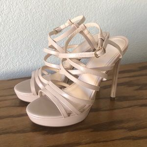 👡 Forever21 Nude Strappy heels! 👡